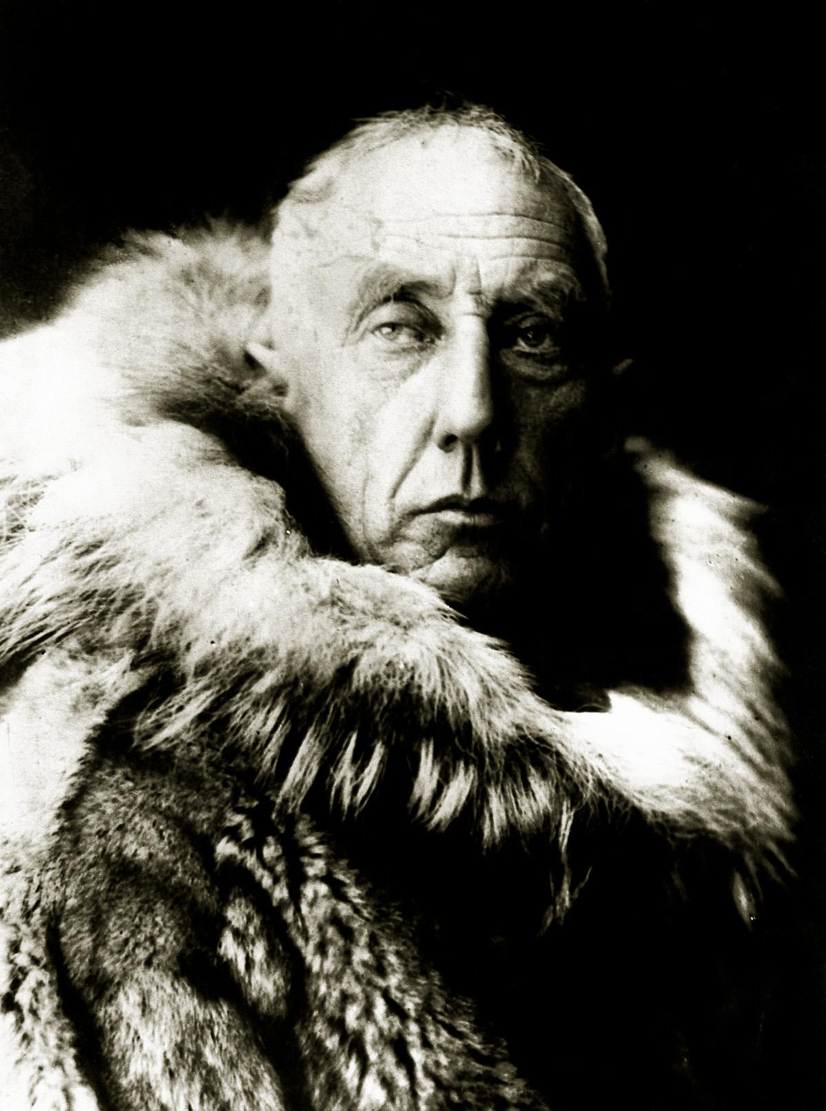 data-cke-saved-src=http://www.bilimgenc.tubitak.gov.tr/sites/default/files/amundsen2.jpg