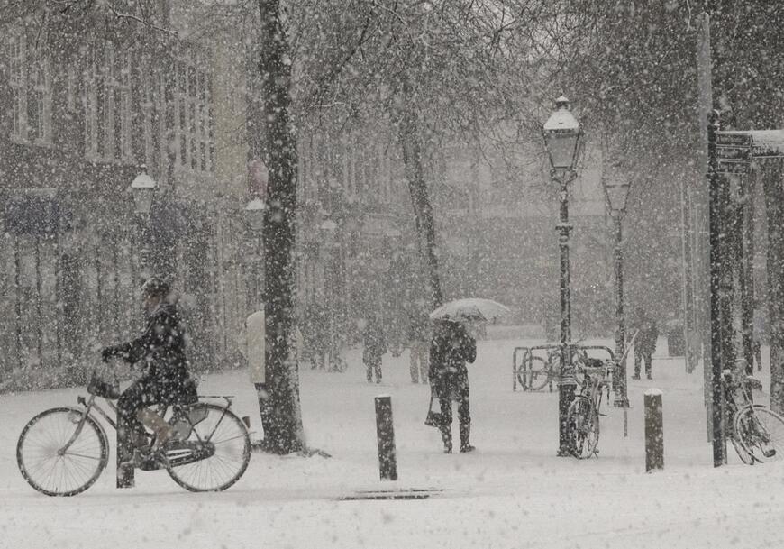 kar yağarken çevre neden sessiz olur