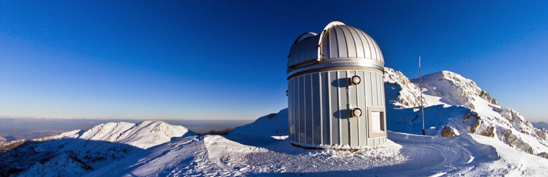 data-cke-saved-src=http://www.bilimgenc.tubitak.gov.tr/sites/default/files/t100_teleskopu.jpg